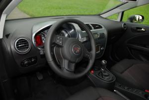Seat Leon Wnętrze (fot. na lic. CC; flickr.com/By Winkelbohrer)